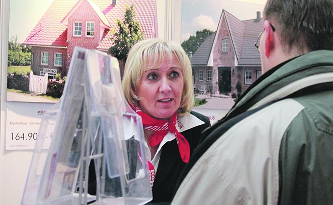 Hausbau in berlin und brandenburg immobilienmesse liefert for Hausbau berlin